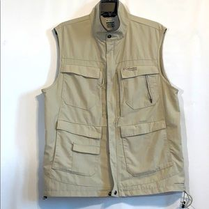 Columbia  Omni Shade Hunting Vest.  A/309